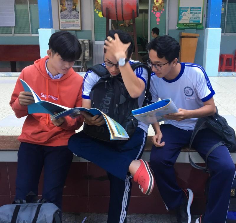 Thí sinh thi tổ hợp KHXH, bài thi cuối cùng của kỳ thi THPT - ảnh 1