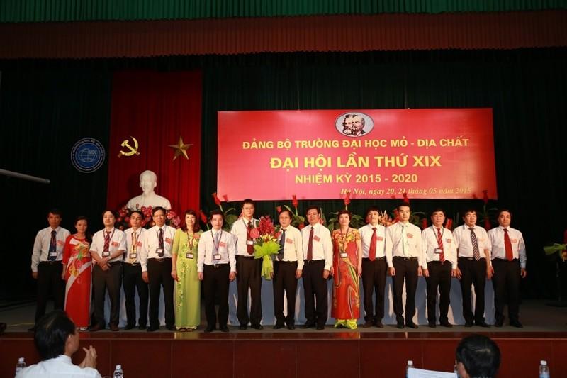 Trường ĐH Mỏ công bố loạt hình ảnh của Thứ trưởng Lê Hải An - ảnh 9