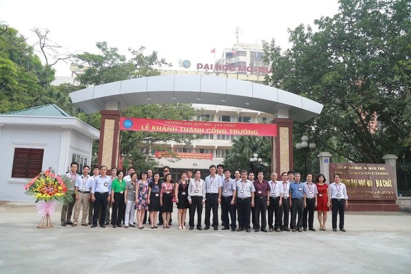 Trường ĐH Mỏ công bố loạt hình ảnh của Thứ trưởng Lê Hải An - ảnh 14