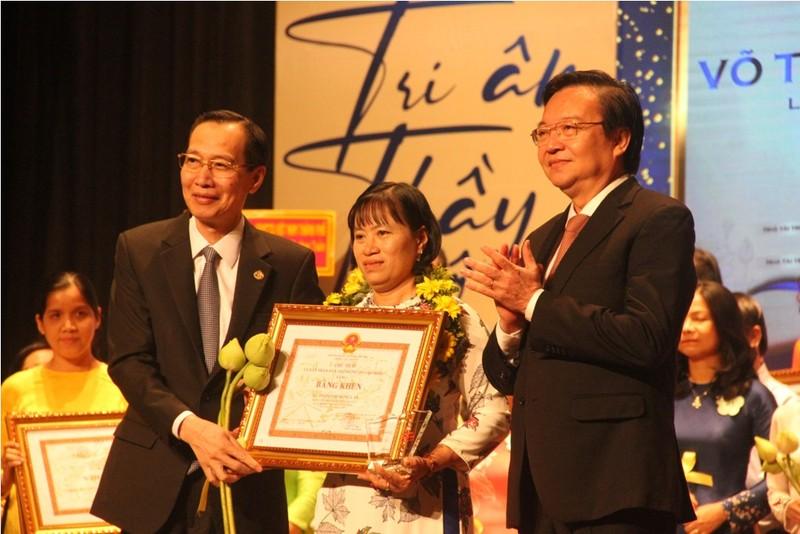 TP.HCM vinh danh 50 nhà giáo đạt giải Võ Trường Toản - ảnh 1