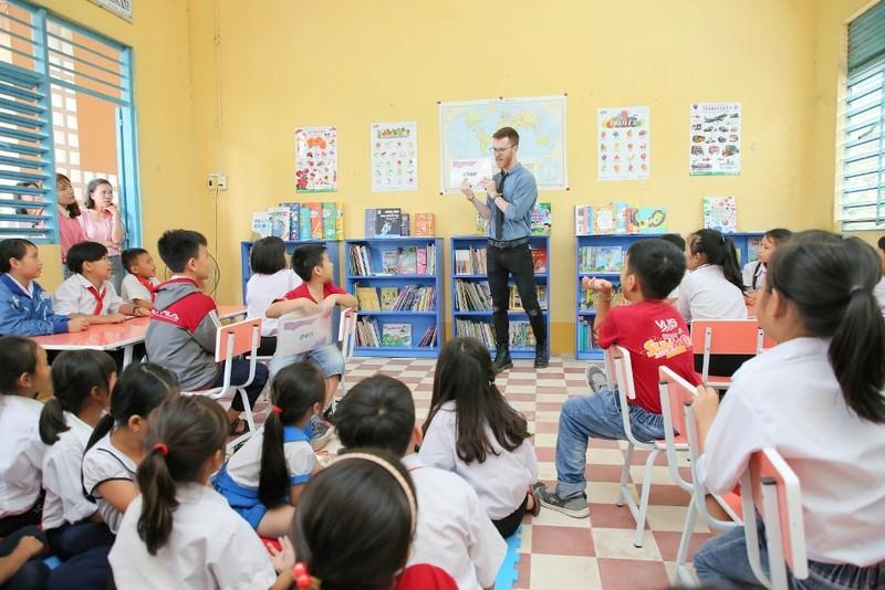8 thư viện cùng hơn 8000 cuốn sách cho học sinh miền Tây - ảnh 2