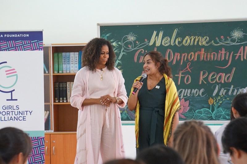 Bà Michelle Obama đến thăm trường cấp 3 ở Long An - ảnh 2
