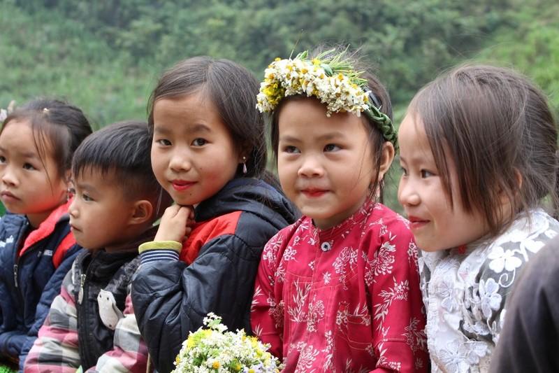 Ngắm nụ cười trong veo của những đứa trẻ vùng cao Hà Giang - ảnh 6