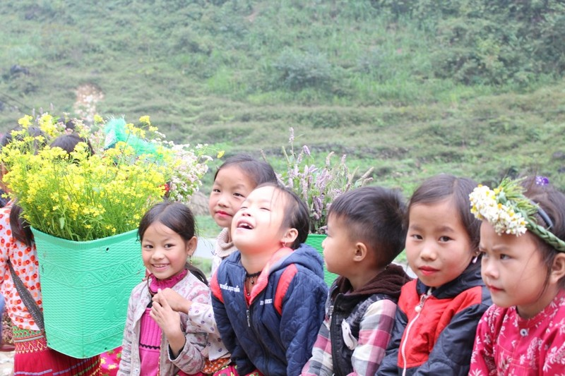 Ngắm nụ cười trong veo của những đứa trẻ vùng cao Hà Giang - ảnh 7