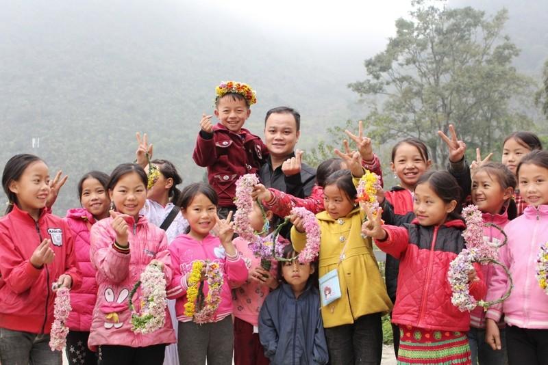 Ngắm nụ cười trong veo của những đứa trẻ vùng cao Hà Giang - ảnh 8
