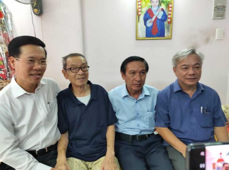 Ông Võ Văn Thưởng chúc tết NSND Đinh Bằng Phi, GS Lê Ngọc Trà - ảnh 2