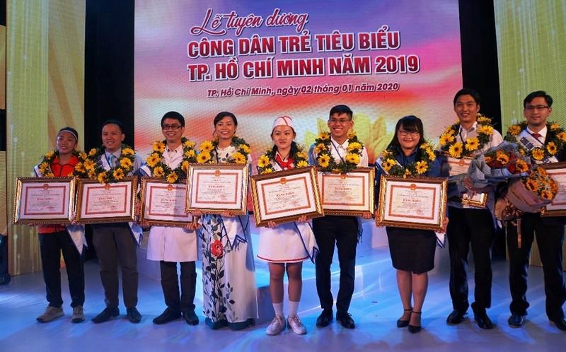 Vinh danh 12 gương công dân trẻ tiêu biểu TP.HCM năm 2019 - ảnh 1