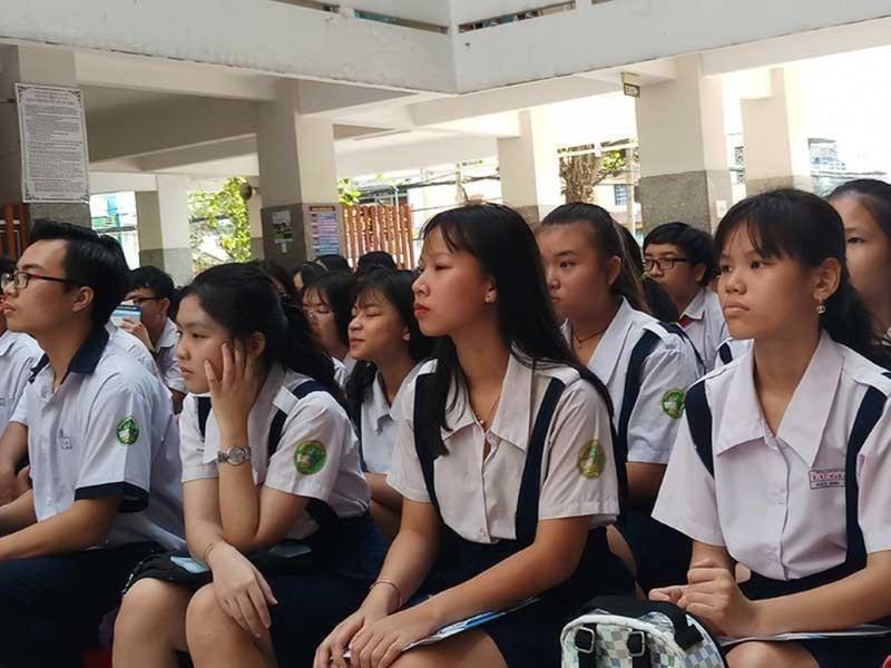 TP.HCM tổ chức tư vấn trực tuyến hướng nghiệp - tuyển sinh - ảnh 1