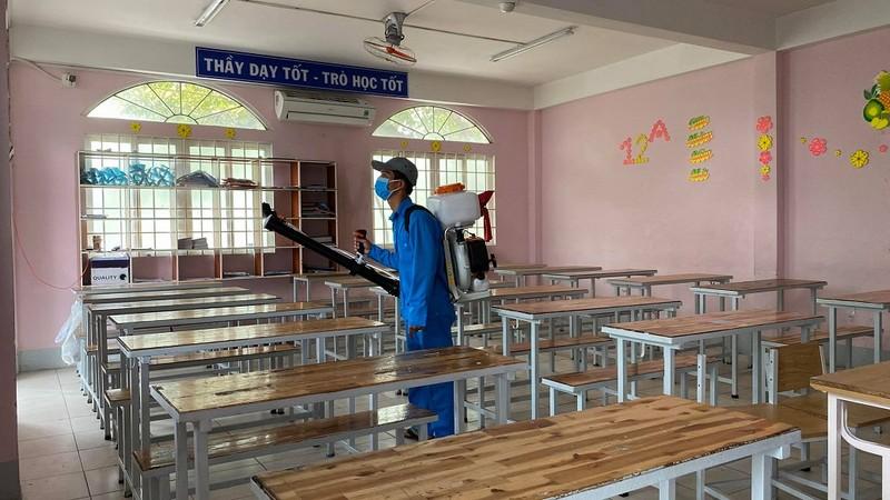 Trường học dọn vệ sinh sẵn sàng đón học sinh trở lại - ảnh 4