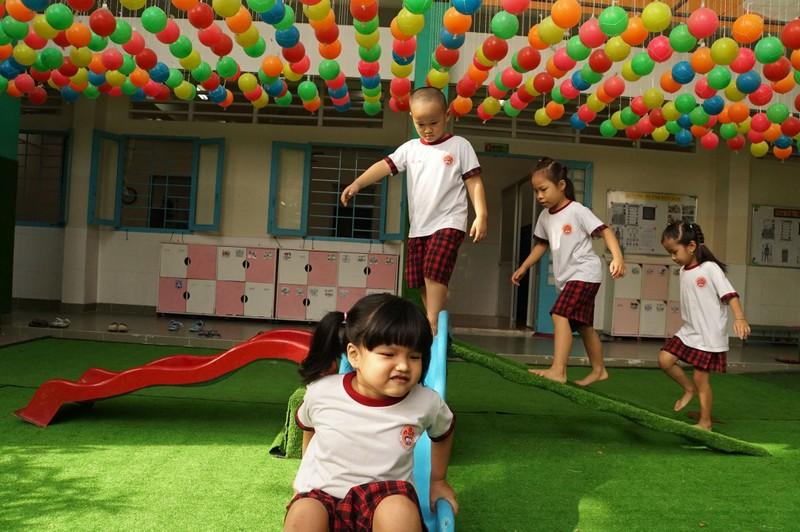 Đi học trở lại, các bé mầm non cười tươi như hoa - ảnh 16