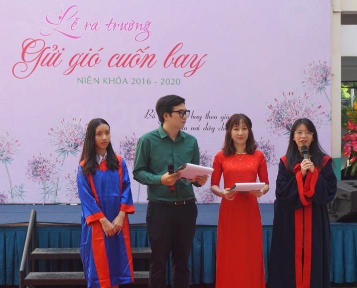 Lễ ra trường tràn ngập cảm xúc của học sinh Nguyễn Du - ảnh 1