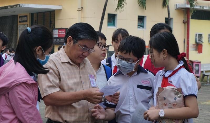 Gần 4000 sĩ tử nhí tranh suất vào lớp 6 trường Trần Đại Nghĩa - ảnh 2