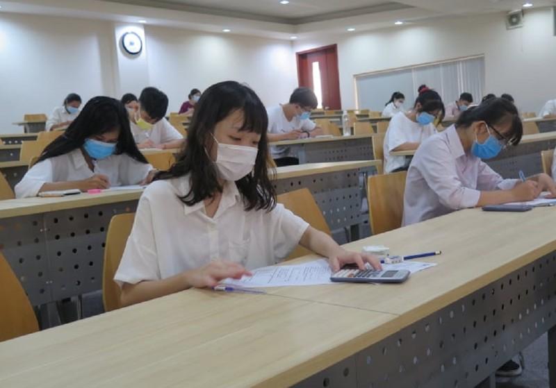 Thí sinh tự tin bước vào kỳ thi đánh giá năng lực - ảnh 6