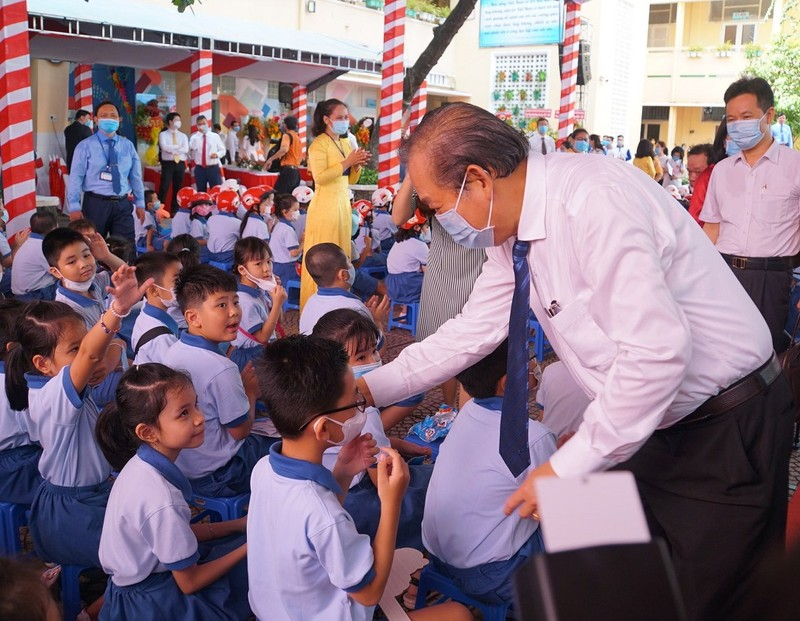 Phó Thủ tướng Trương Hòa Bình dự lễ khai giảng tại TP.HCM - ảnh 3