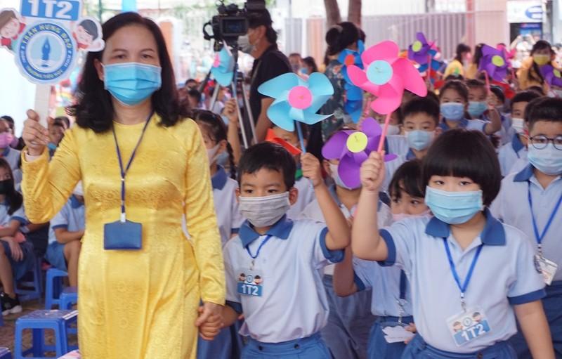 Phó Thủ tướng Trương Hòa Bình dự lễ khai giảng tại TP.HCM - ảnh 4