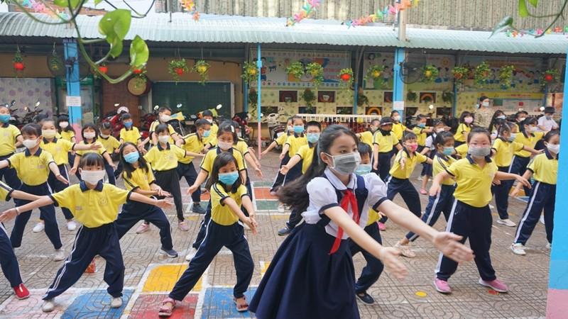 TP.HCM: Trường học tổ chức thi HK2 trong mùa dịch  - ảnh 3