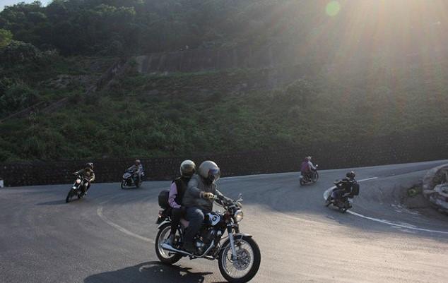 Đi phượt đổ đèo bằng xe máy có khác với đi ô tô? - ảnh 2