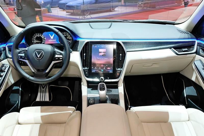 VinFast Lux V8 xuất hiện cùng các đối thủ tại Thụy Sỹ - ảnh 2