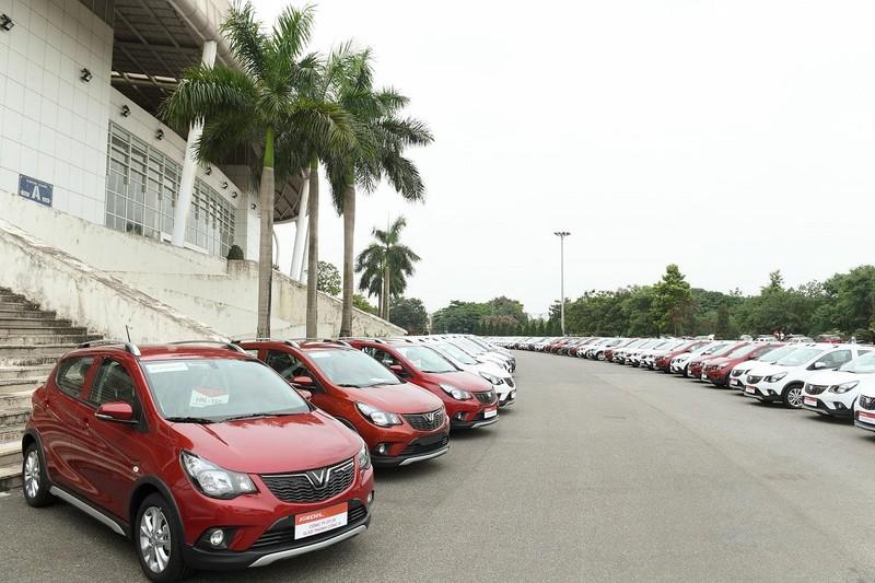 Hàng trăm chiếc VinFast Fadil đến tay khách hàng - ảnh 4