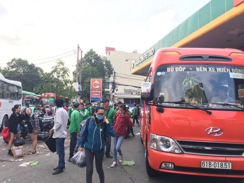 Dịp lễ, tăng 40% giá vé tại các bến xe lớn ở TP.HCM - ảnh 1