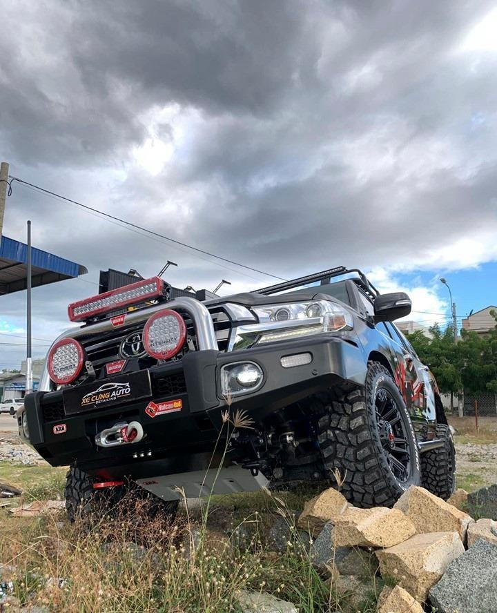 'Ngộp thở' trước xe Toyota Land Cruiser 2019 độ nâng cấp - ảnh 2