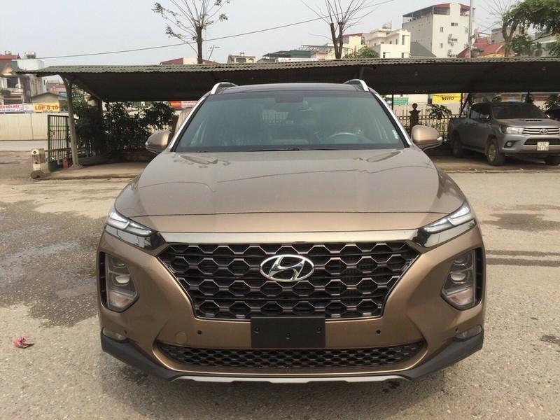 Hyundai SantaFe bất ngờ giảm giá, không còn 'bia kèm lạc' - ảnh 1