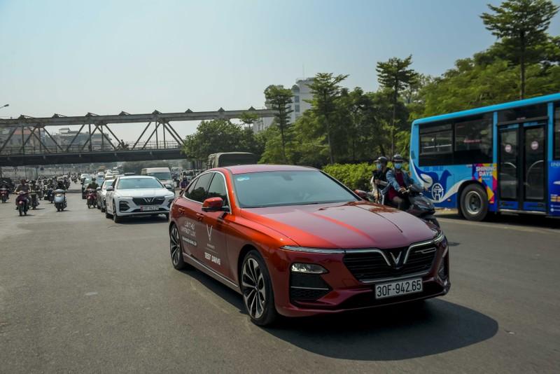 'Đã mắt' với dàn VinFast Lux trên đường phố Hà Nội - ảnh 5