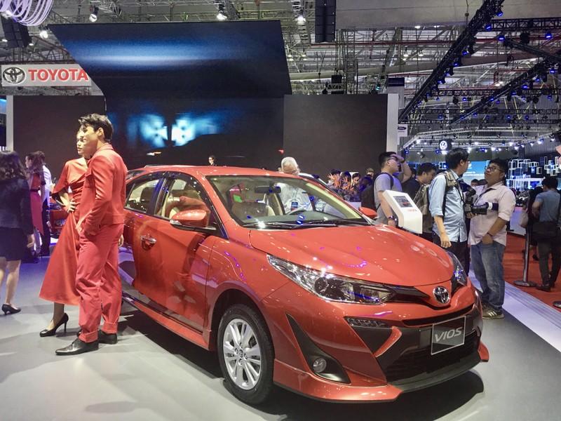 Bảng giá Toyota tháng 11: Fortuner giảm đến 100 triệu đồng - ảnh 1