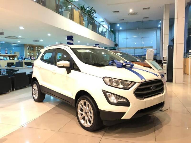 Bảng giá xe Ford tháng 12: Everest Ambiente giá 999 triệu đồng - ảnh 1