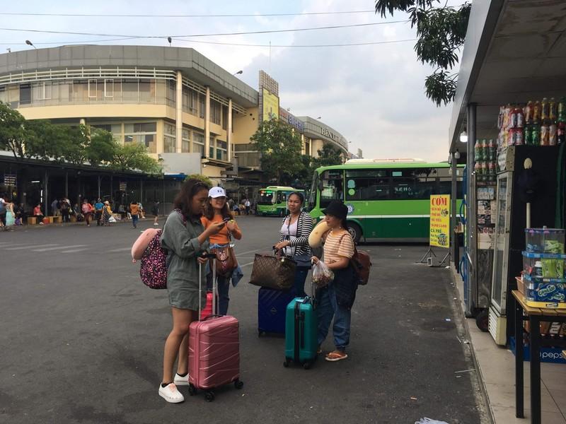 Không cần đến bến xe, hành khách vẫn mua được vé tết - ảnh 1
