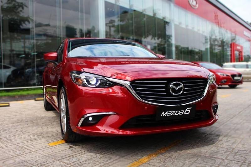 Mazda 6 có tổng giá trị ưu đãi hơn 60 triệu đồng.