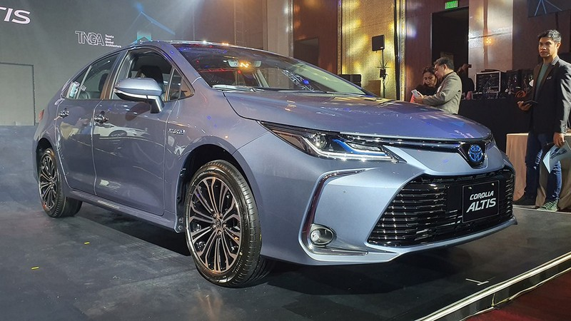 Với hy vọng đánh bật Hyundai Accent, Altis phiên bản mới được nâng cấp nhiều trang bị hơn.