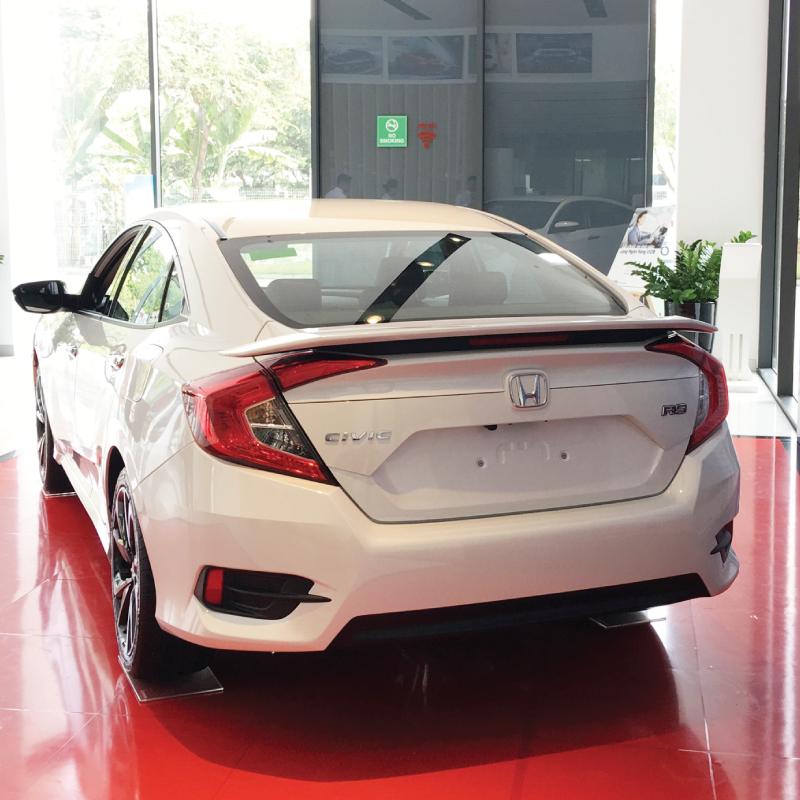 Honda Civic đang bán ra với ba phiên bản lựa chọn.