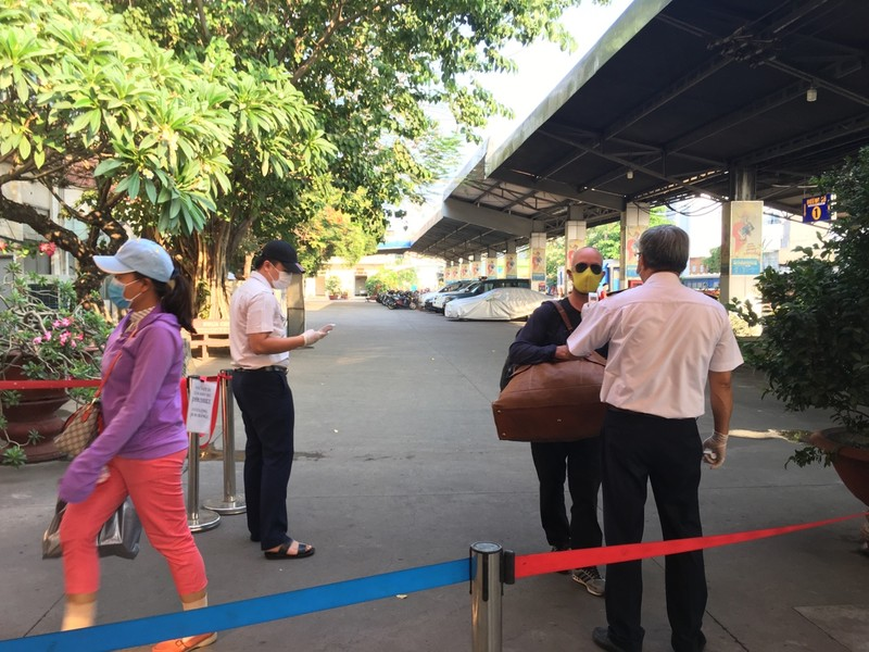 Ga Sài Gòn nghiêm chỉnh chấp hành các biện pháp phòng chống dịch bệnh.
