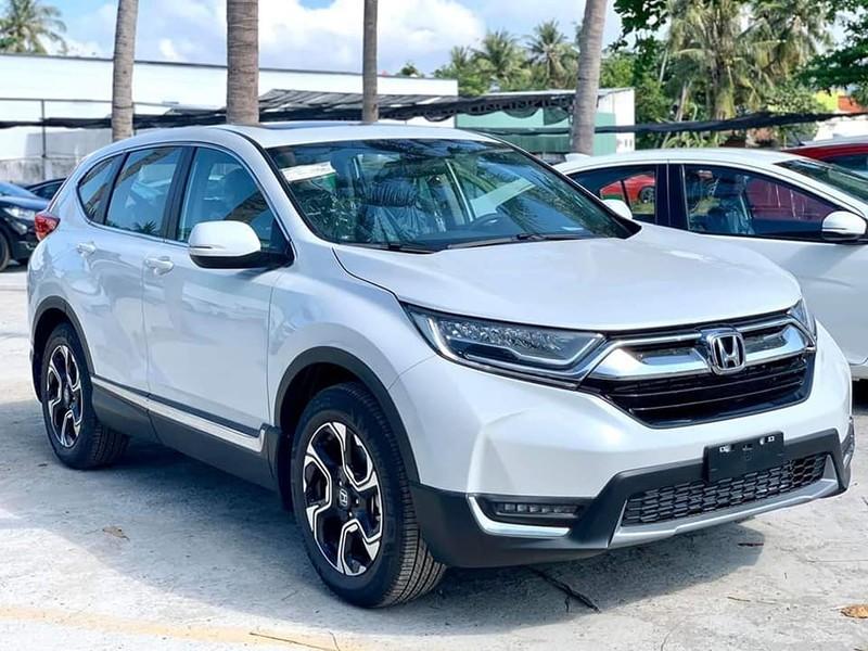 Honda CR-V giảm đến 130 triệu đồng.