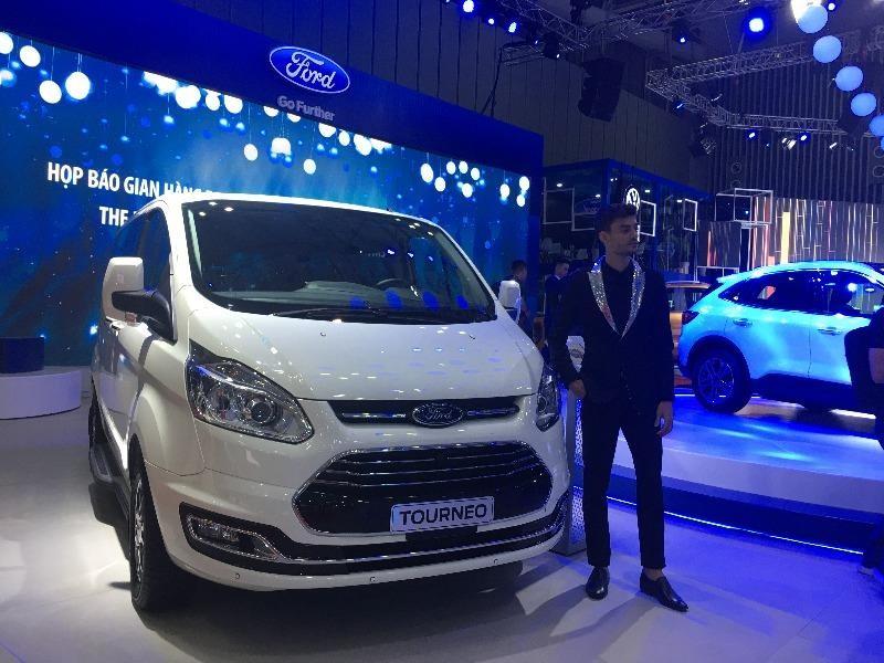 Mẫu xe mới Ford Tourneo góp mặt vào tốp xe ế ẩm của tháng 3.
