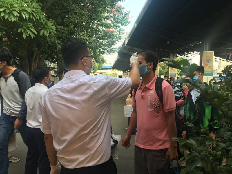 Ga Sài Gòn nhộn nhịp đón người dân sau kỳ nghỉ lễ  - ảnh 7