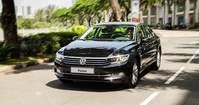 Passat BlueMotion High nhập khẩu nguyên chiếc từ Đức.