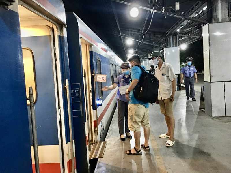 Hành khách cần cập nhật lại số chuyến tàu và thời gian để di chuyển.