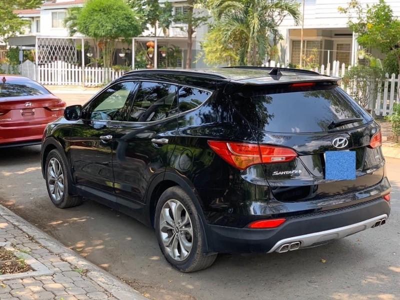 Chiếc Hyundai SantaFe được sản xuất năm 2013.