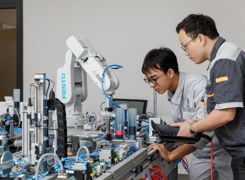 VinFast hợp tác đào tạo chuyên ngành cơ điện tử, kỹ thuật ô tô - ảnh 3