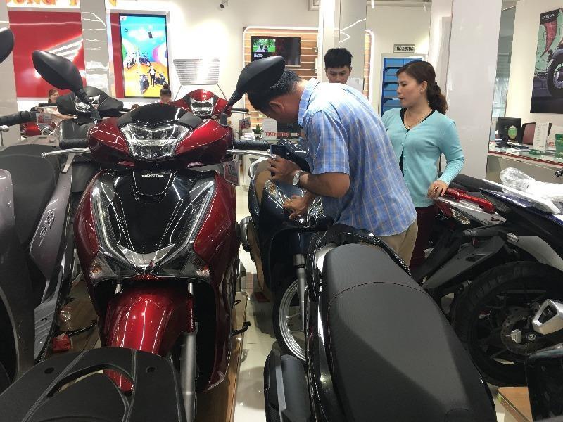 Người dùng gặp khó khi mua phải xe máy không có công tắc đèn  - ảnh 1
