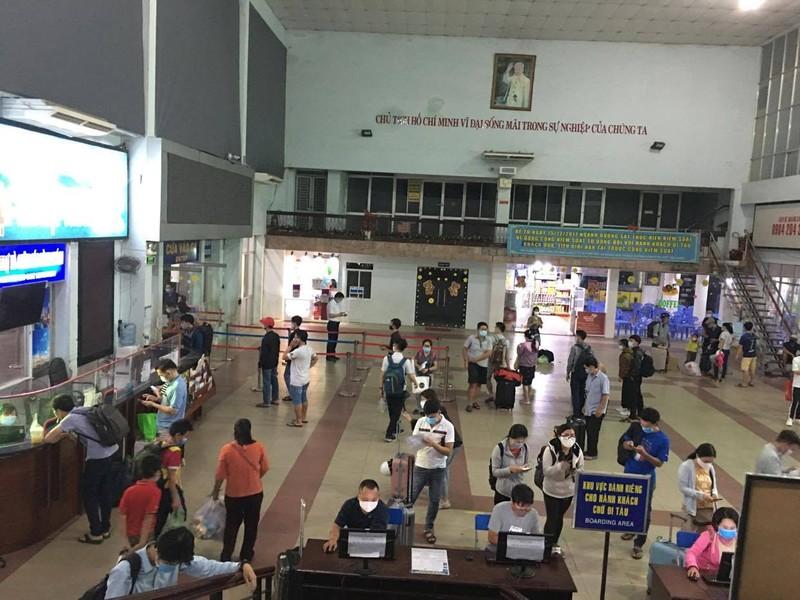 Từ ngày mai, hành khách được trả vé tàu trực tuyến - ảnh 1