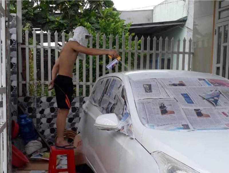 Tự sơn ô tô tại nhà giá rẻ, chủ xe nhận được nhiều lời bình - ảnh 1