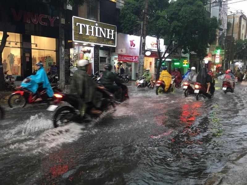 Bí quyết chăm sóc xe máy vào mùa mưa để tránh hư hỏng - ảnh 1