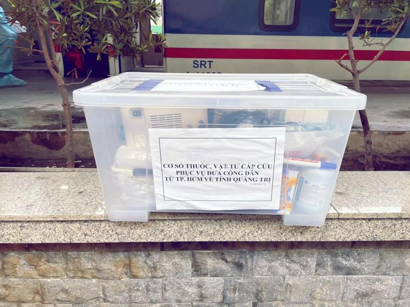 Chùm ảnh: Người dân Quảng Trị lên tàu hỏa về quê từ TP.HCM - ảnh 3