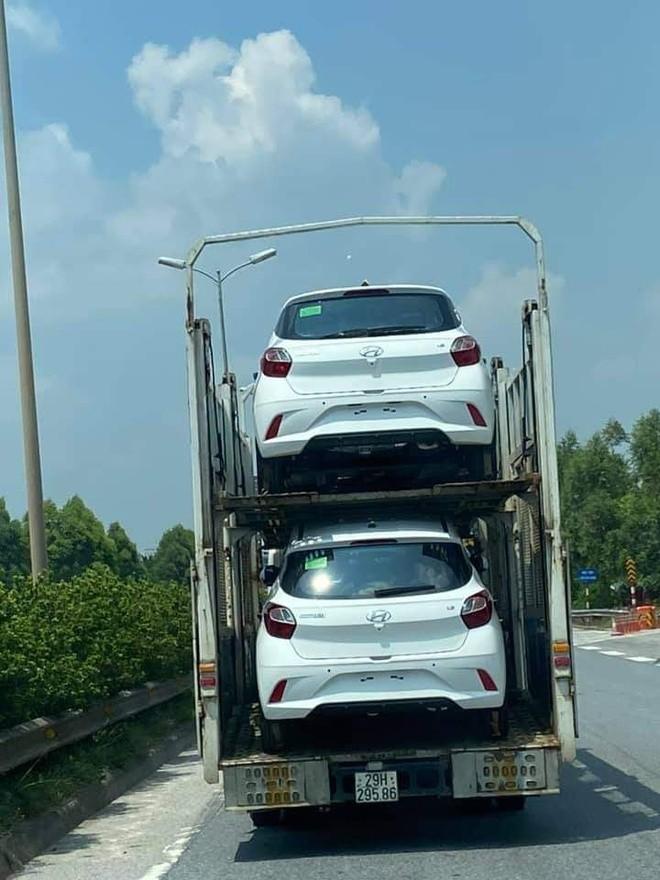 Hyundai Grand i10 NIOS bất ngờ xuất hiện trên đường phố - ảnh 1