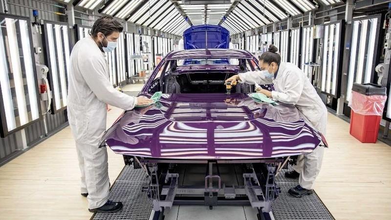 Nửa đầu tháng 9, lượng ô tô nhập khẩu về Việt Nam 'hụt hơi', khan hàng - ảnh 1