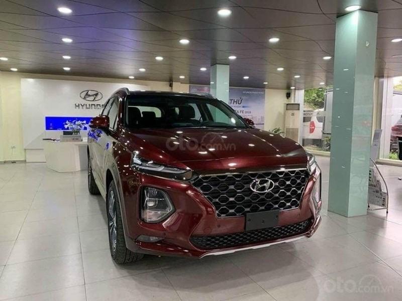 Hyundai SantaFe bất ngờ ưu đãi 120 triệu đồng - ảnh 1