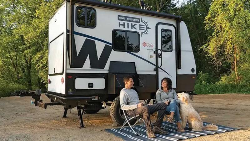 Một chiếc xe kéo du lịch thách thức mọi chuyến cắm trại  - ảnh 5